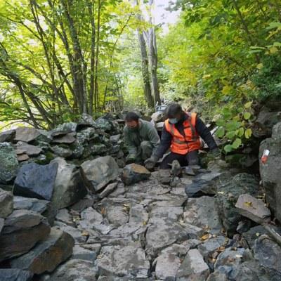 Els banders comunals d'Encamp participen en el segon curs d'artesans de la pedra seca