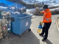 Neteja a fons i desinfeccoó de contenidors al Pas de la Casa