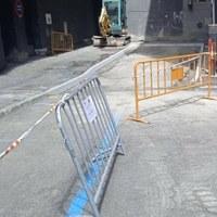 Inici dels treballs de millora i pavimentació del carrer Maià del Pas de la Casa