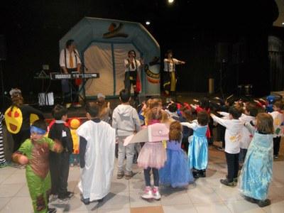 L'escola de natació celebra el Carnaval aquest divendres