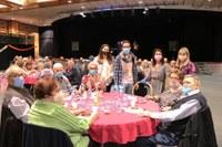 La gent gran celebra la castanyada d'Encamp amb una vuitantena de participants