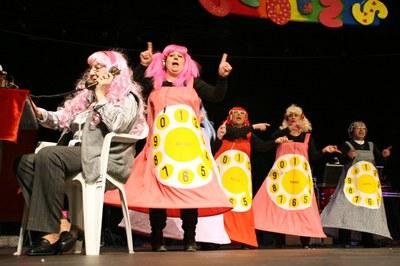 La gent gran de les diferents parròquies celebra el Carnaval a Encamp