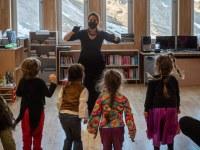 Un instant de l'espectacle a la biblioteca del Pas de la Casa @ Yoan Perissé