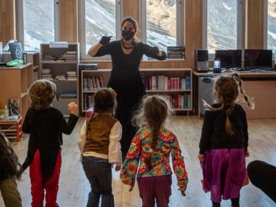 """"""" La millor disfressa"""" el contacontes de Carnaval s'ha representat avui al Pas de la casa i demà a la biblioteca d'Encamp"""