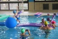 L'Escola de Natació ha preparat un programa especial per gaudir les festes a l'aigua.