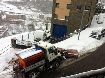 Obertura dels aparcaments horitzontals amb barrera per agilitzar els treballs de la treta de neu