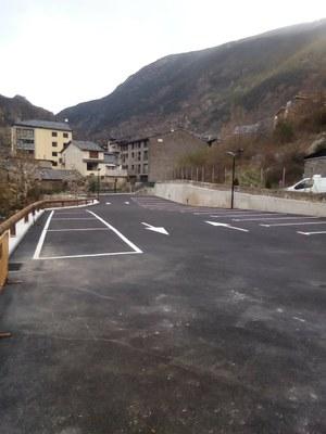 Obre el nou aparcament dels Raconets