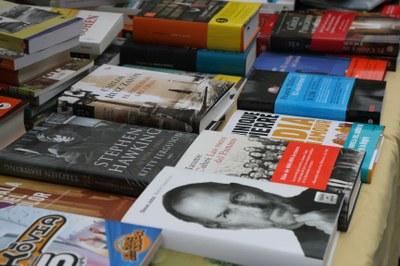 Regalem llibres!