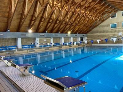 Reobre la piscina del Complex Esportiu després de la parada tècnica en la que s'han fet millores per valor de 415.000 euros
