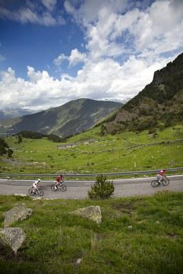 Tancament de zones d'estacionament i carreteres amb motiu del pas de 'La Vuelta a España 2015' per Encamp
