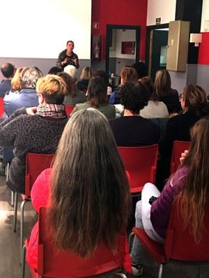 Una trentena de persones assisteixen a la xerrada sobre 'coaching i PNL' al Punt d'Informació Juvenil d'Encamp